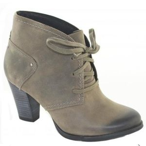 Clarks Alpine Melt Gray Leather Ankle Boots 9 M